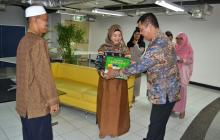 Lebaran Gifts For Residents Around RatuPrabu Building 2